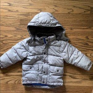 Boys gray puffer coat with fleece lining.
